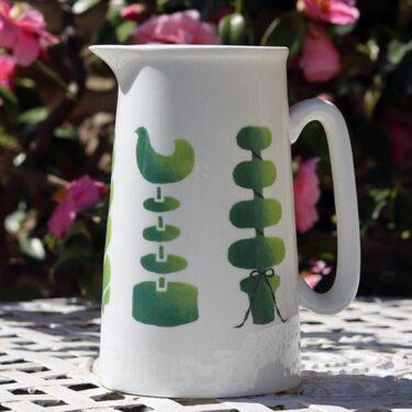 Topiary 1 pint jug